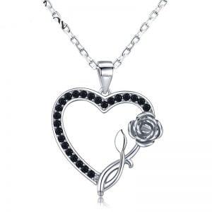 Collier coeur en argent 925 et Spinelles noirs